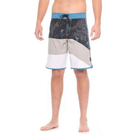 Oakley Trancas Boardshorts (For Men) in Stone Grey - Closeouts
