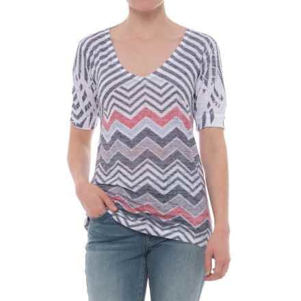 Ojai Burnout V-Neck T-Shirt - Short Sleeve (For Women) in Black Chevron - Closeouts