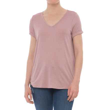 Olive & Oak V-Neck Shirt with Keyhole in Back - Short Sleeve (For Women) in Country Rose - Closeouts