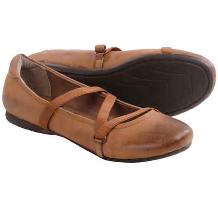 OTBT Ardmore Ballet Flats - Leather (For Women) in Cashew - Closeouts