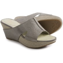 OTBT Hannibal Sandals - Leather (For Women) in Grey Powder - Closeouts