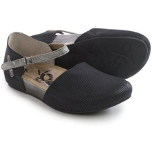 OTBT Kalamazoo Flats (For Women) in Black Pewter - Closeouts