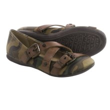 OTBT Park Hills Flats (For Women) in Camo Canvas - Closeouts
