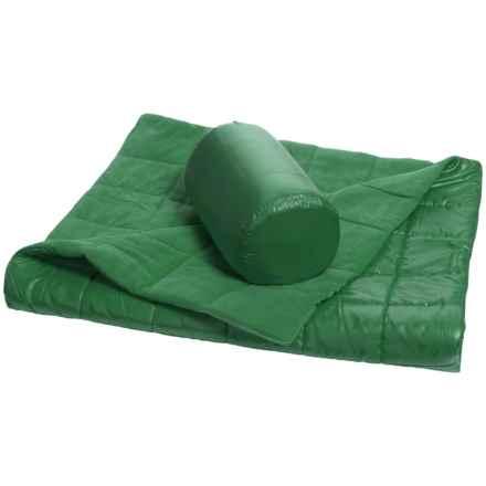 "Pacific Crest Quilted Outdoor Packable Throw Blanket - Reversible, 50x60"" in Green - Overstock"