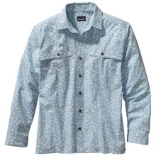 Patagonia Island Hopper Shirt - UPF 15, Long Sleeve (For Men) in Fish Frenzy/Clear Pool - Closeouts