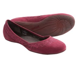 Patagonia Maha Shoes - Hemp-Nubuck, Recycled Materials (For Women) in Waxed Red