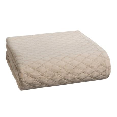 Peacock Alley Diamond Coverlet Bedspread - Queen in Linen