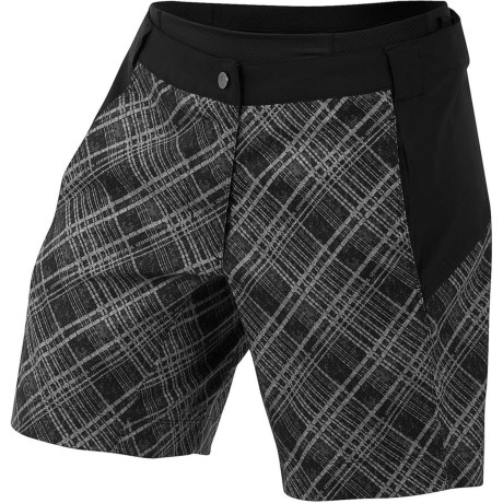 Pearl Izumi Canyon Shorts (For Women) in Samurai Plaid