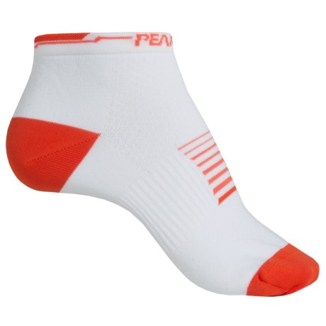 Pearl Izumi ELITE Low Socks - Below the Ankle (For Women) in Shift Living Coral