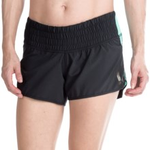 Pearl Izumi Flash Shorts (For Women) in Black/Aruba Blue - Closeouts