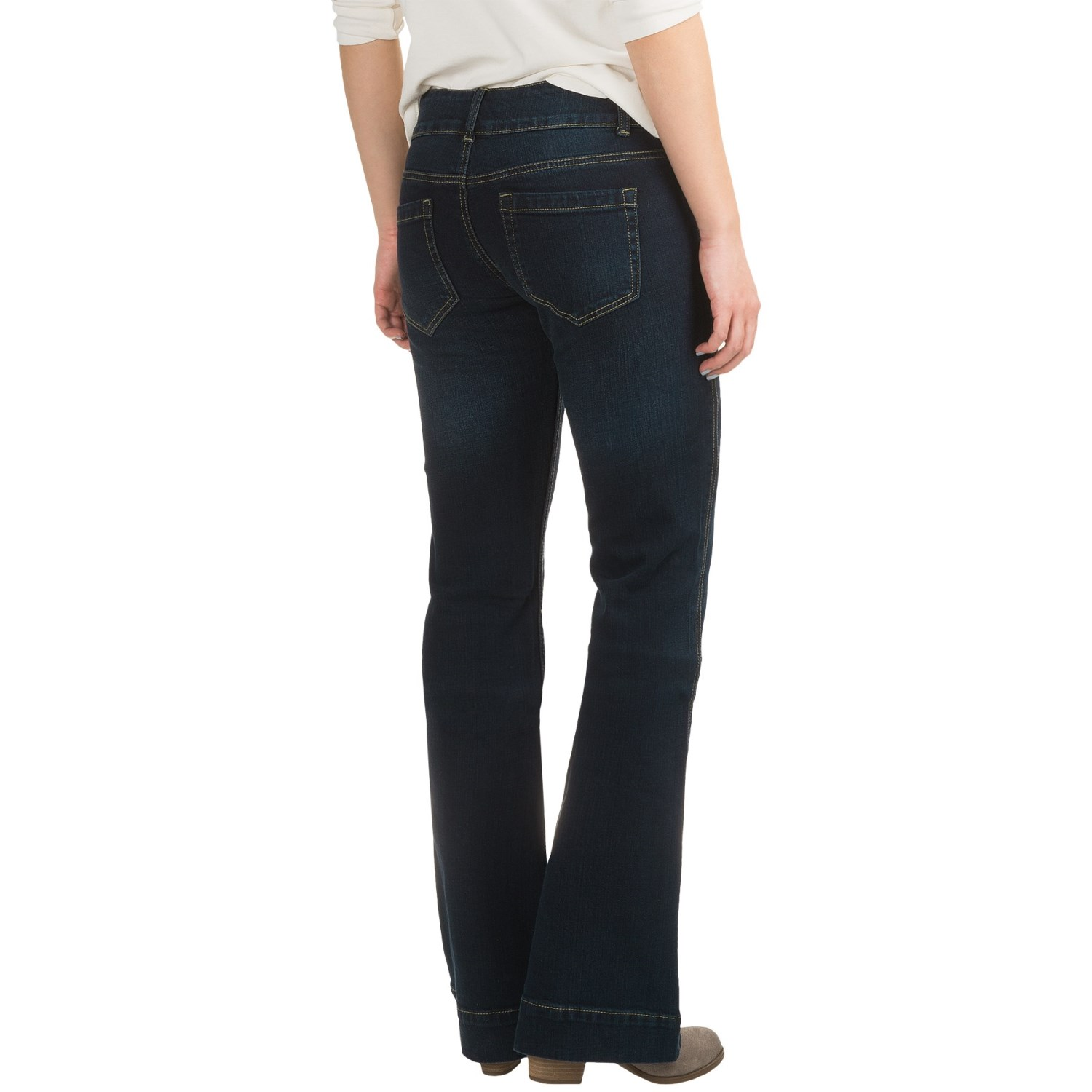 trouser Style Western Jean * Sits Low On The Waist * Moderately Fit Thigh With Slightly Flared Leg * 2 Button Flap Exaggerated Waist Band * Keystone Back Belt Loop * Stetson Branded Buttons, Rivets And Zippers * Blasting Detail * Stetson jeans.