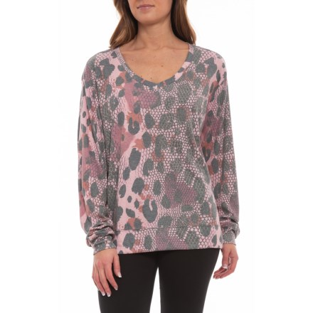 37d9e92c73e3af Women s Shirts   Tops  Average savings of 52% at Sierra