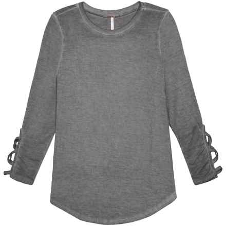 Poof Lattice Wrist Mineral Wash Shirt - Long Sleeve (For Girls) in Silver Grey Mineral Wash - Closeouts