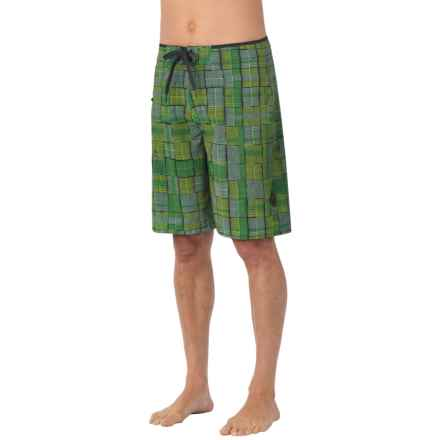 prAna Catalyst Boardshorts - UPF 50+ (For Men) in Green - Closeouts