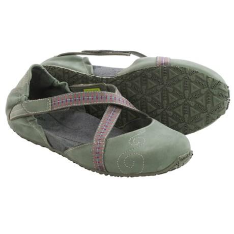 Ahnu Karma Latitude Shoes - Leather (For Women)