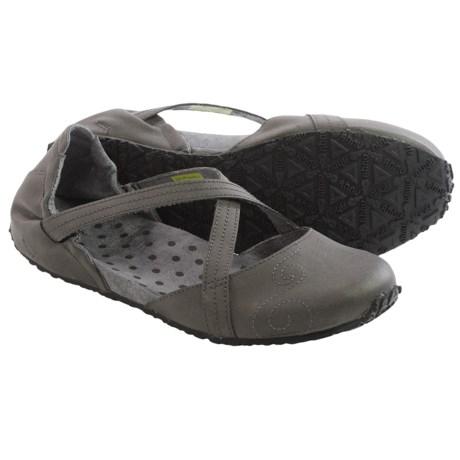 Ahnu Good Karma Shoes - Vegan Leather (For Women)