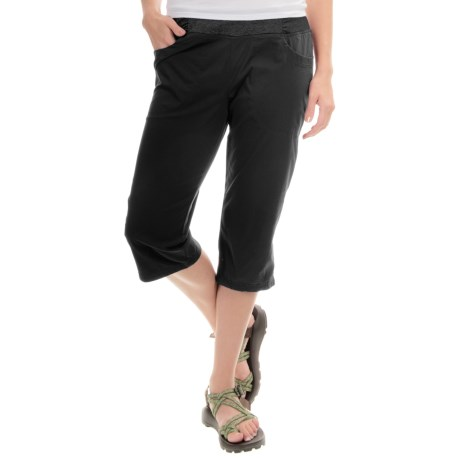 Mountain Hardwear Dynama Capris (For Women)