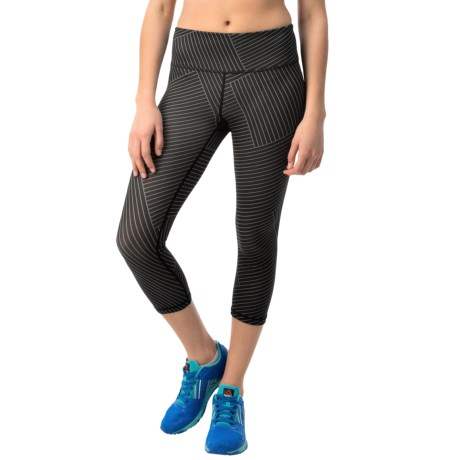 Reebok Crosswalk Lines Capris (For Women)