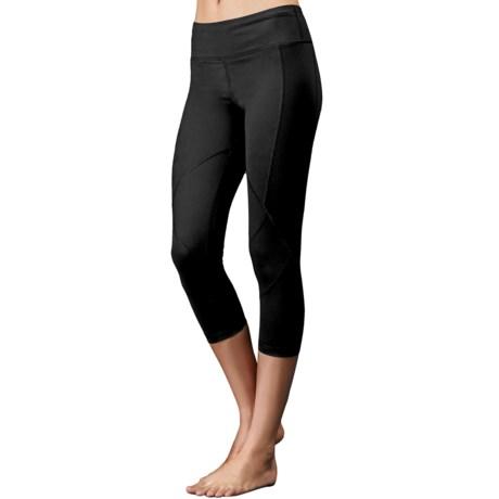 Zobha Cru Ribbed Panel Capri Leggings (For Women)