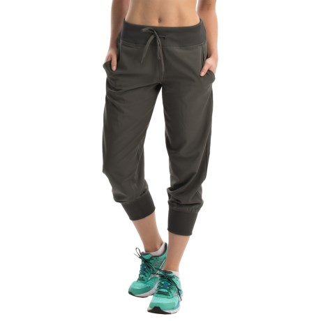 Reebok Woven and Knit Mix Capris (For Women)