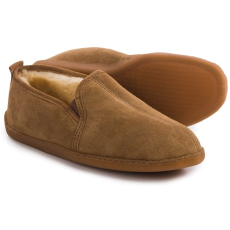 Minnetonka Twin Gore Sheepskin Slippers - Suede (For Men)