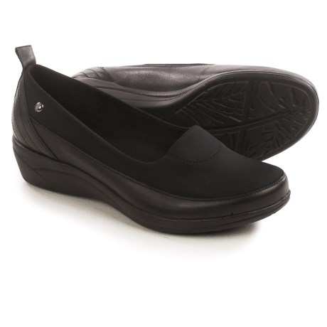 Hush Puppies Valoia Oleena Shoes - Leather, Slip-Ons (For Women)