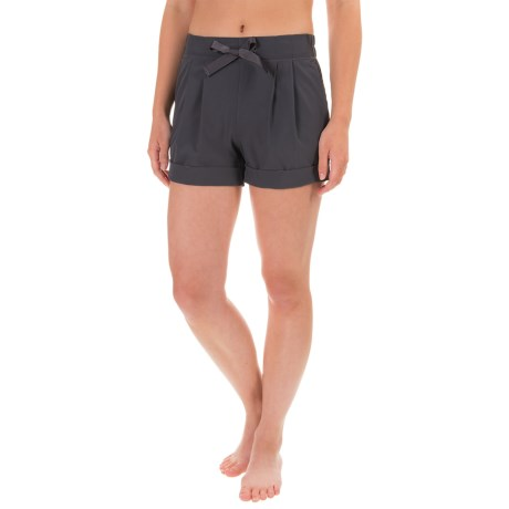 Apana Woven Yoga Shorts (For Women)