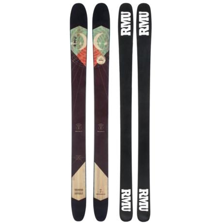 RMU Professor Alpine Skis