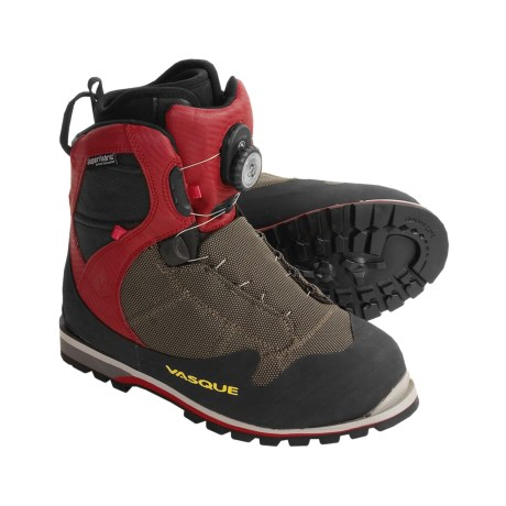 Vasque Radiator Alpine Boots (For Men and Women)