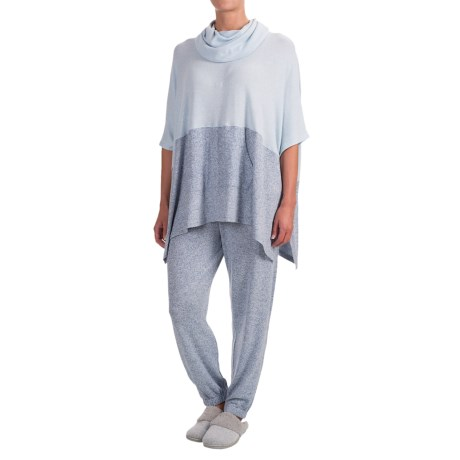 Wake & Wear Contrast Poncho and Joggers Set - 2-Piece (For Women)