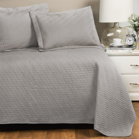 Home Fashions Emerson Collection Solid Quilt Set - Twin