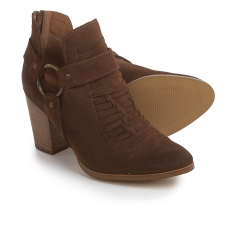 Ariat Unbridled Jaelle Tumbled Booties - Suede (For Women)
