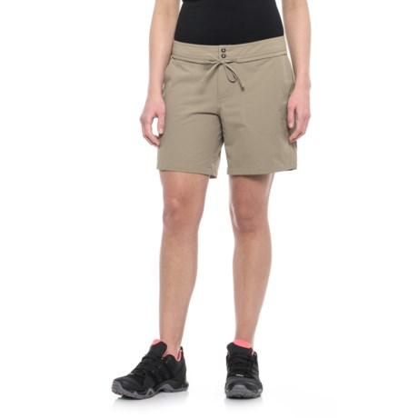 Mountain Hardwear New Yuma Shorts - UPF 50 (For Women)