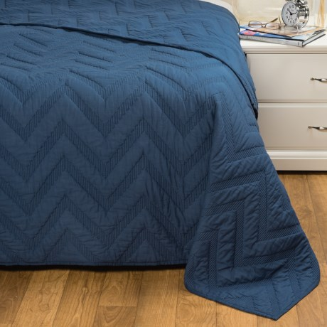 Rizzy Home Navy Quilt - Queen