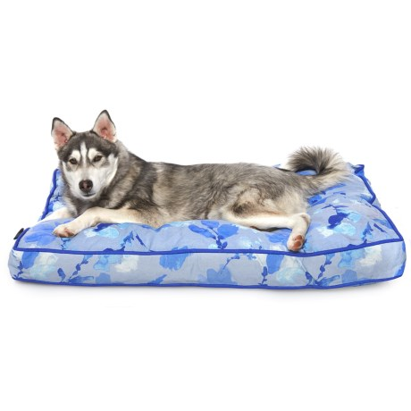 Cynthia Rowley Ever Blossoms Rectangle Dog Bed - 28x40""