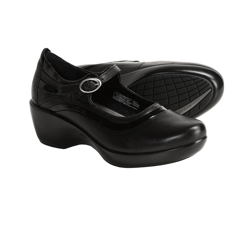 Women's Ariat Terrain Boots in Black