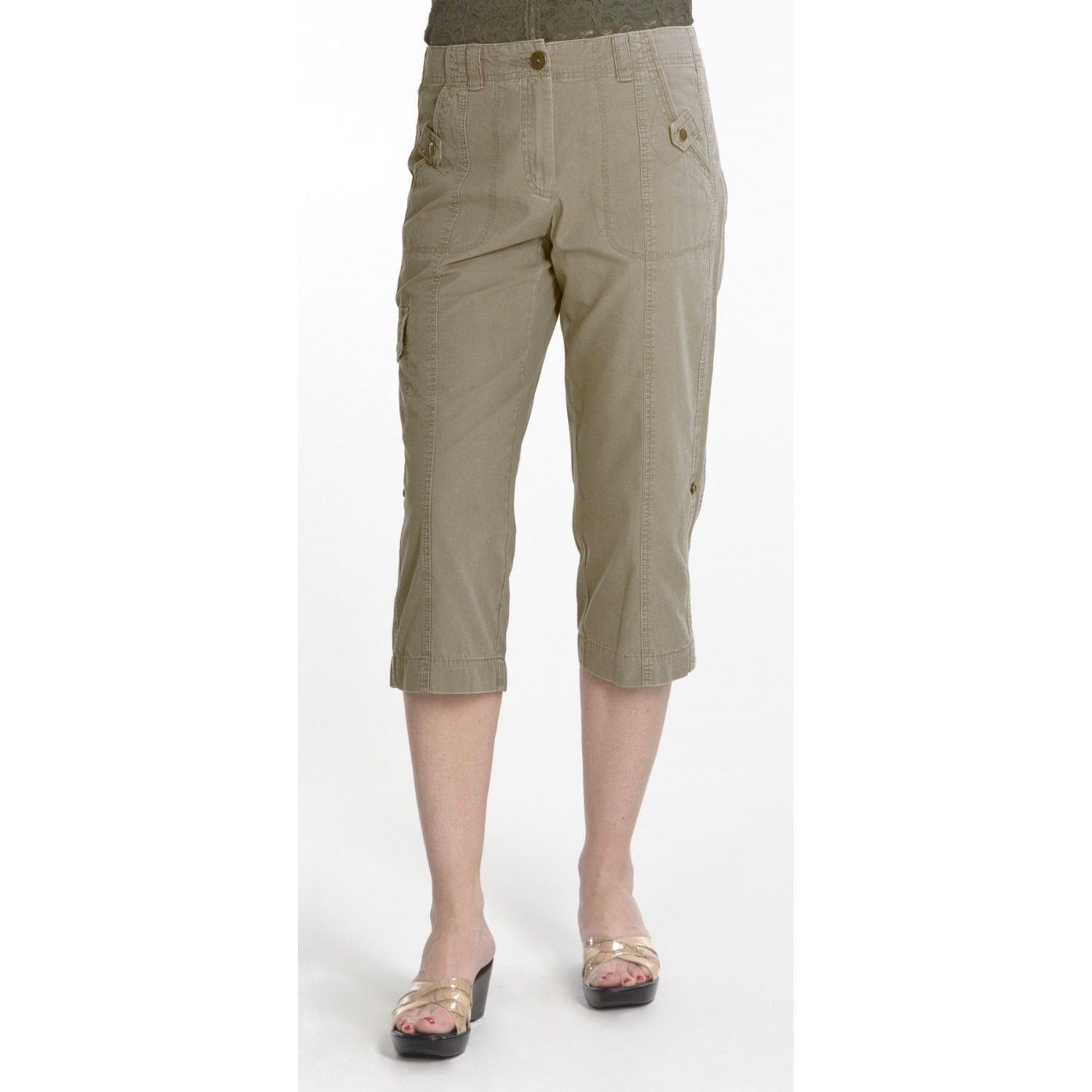 Capris. Shape up your wardrobe with fashionable bottoms like capris. With amazing styles for casual wear, exercising and even for the office, you're sure to find the perfect pants for pairing with any types of tops. Bring a versatile piece into your workweek rotation and add capris to your closet.