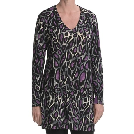 Diamond Tea Leopard Print Tunic Shirt - Long Sleeve, V-Neck (For Women)