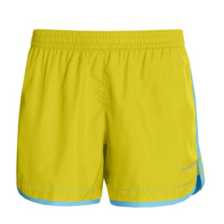 "Brooks Versatile Woven Shorts - 5"" (For Women)"