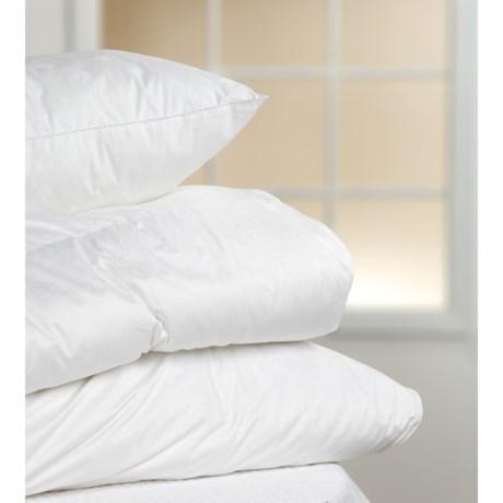 Blue Ridge Home Fashions Swiss Dot 320TC Duck Down Comforter - 700 FP, Twin