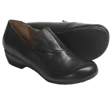 Portlandia Free Shoes - Leather, Slip-Ons (For Women)