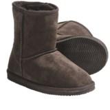 LAMO Footwear Suede Sheepskin Boots (For Big Kids)