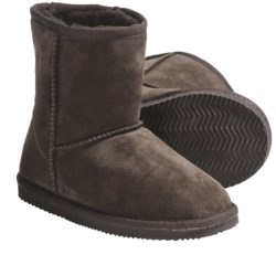 LAMO Footwear Suede Sheepskin Boots (For Big Kids)