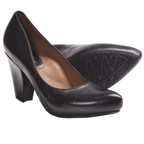 Earthies Talera Leather Pumps (For Women)