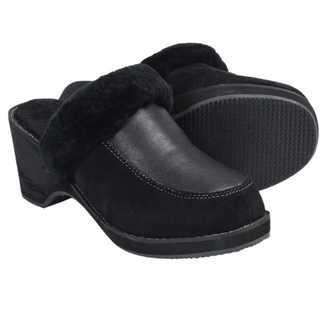 Aussie Dogs Lady Sheepskin Clogs (For Women)