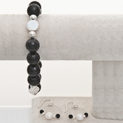 Aluma USA Onyx Bracelet and Earrings Set