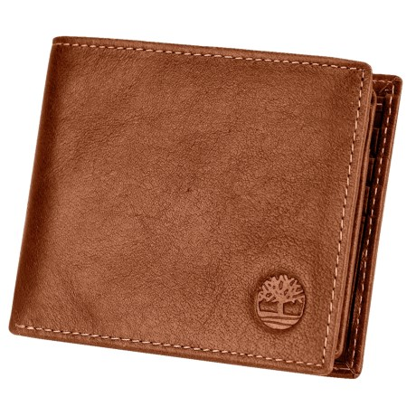 Timberland Dakota Leather Passcase Wallet