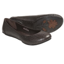 Crown by Born Stowaway II Flats (For Women)