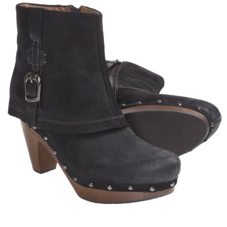 Earthies Lacarne Boots - Oiled Suede (For Women)