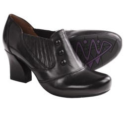 Earthies Lavarra Shoes - Leather, Slip-Ons (For Women)